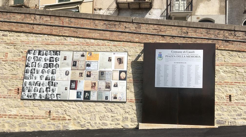 Casoli - Piazza della memoria